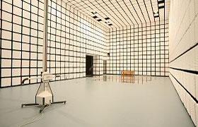 大型電波暗室の写真